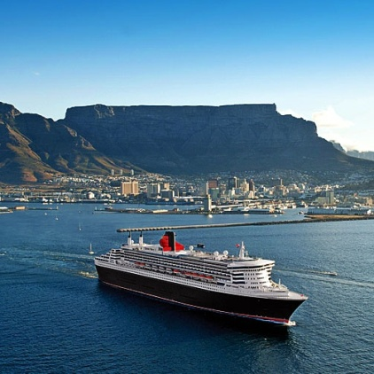 the-queen-mary-2-leaving-in-cape-town-pic-cunard